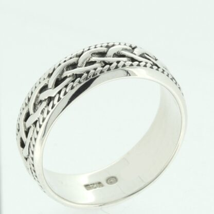 celtic_entwined_ring
