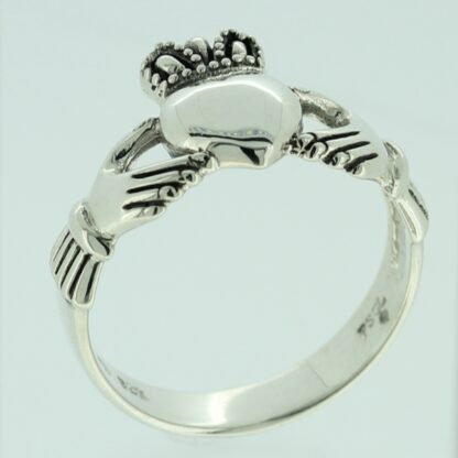 mens_claddagh_ring